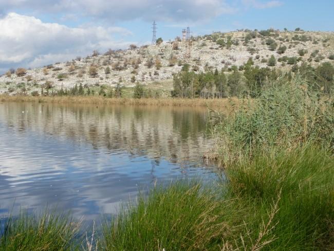 Koumoundourou Lake